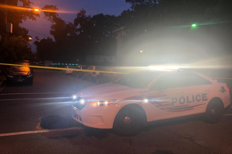 Вашингтондағы атыс: бір адам қаза тауып, тоғызы жараланған