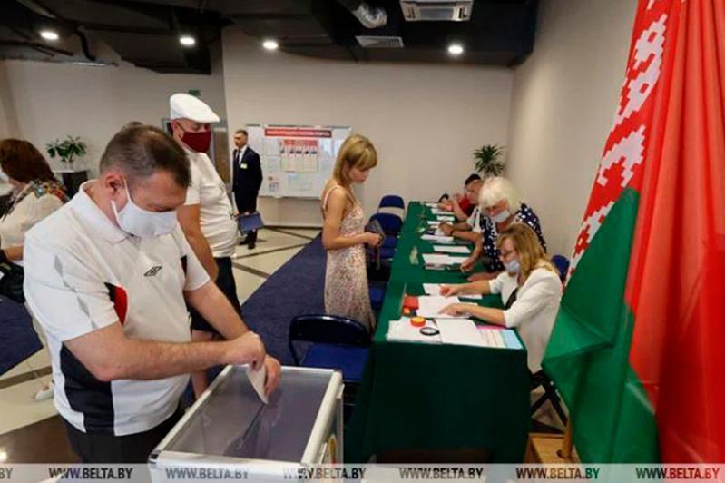 В Беларуси прошло основное голосование на выборах президента