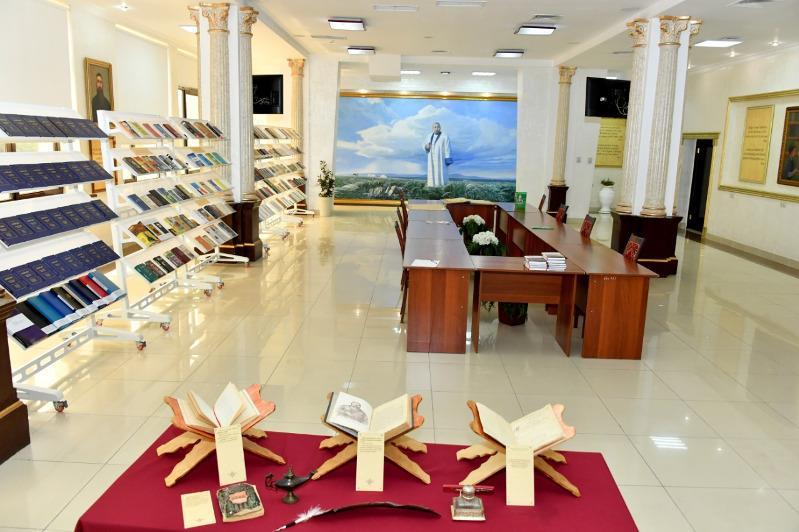 """哈萨克国立大学开设""""阿拜""""主题图书室"""