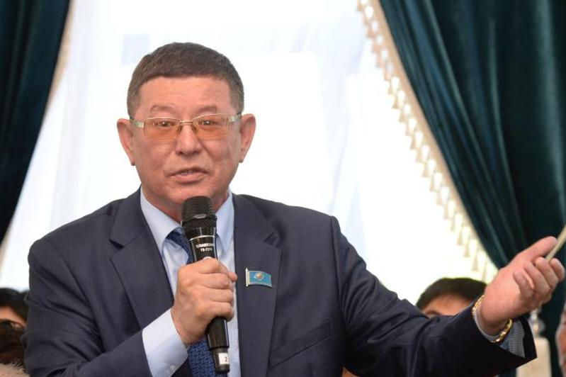 Shákızada Ábdikárimov: Abaı qazaqtyń basty baǵdaryn aıqyndap berdi