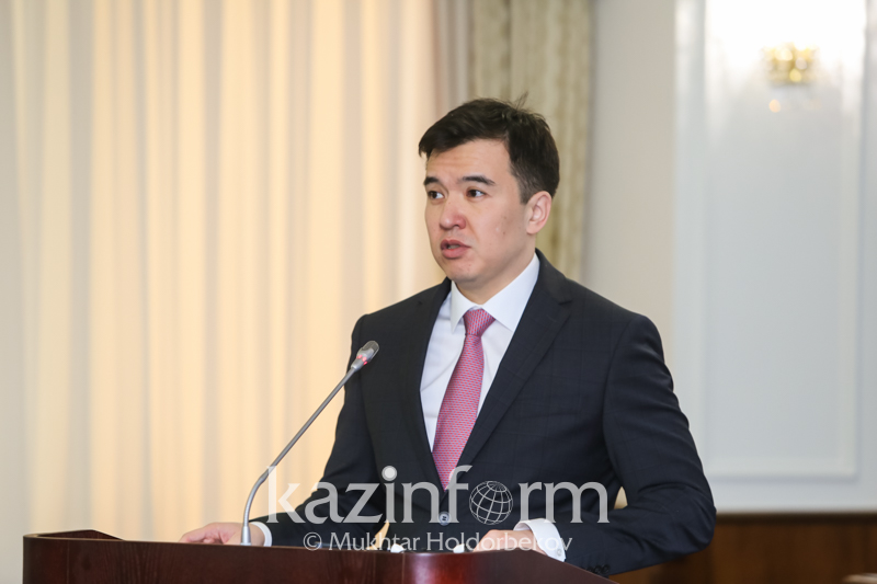 Kazakhstan's GDP contracts by 2.9 pct