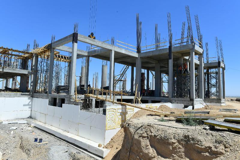 В административно-деловом центре Туркестана завершено строительство 11 объектов