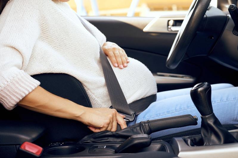 Трех пьяных беременных женщин за рулем задержали в Атырауской области