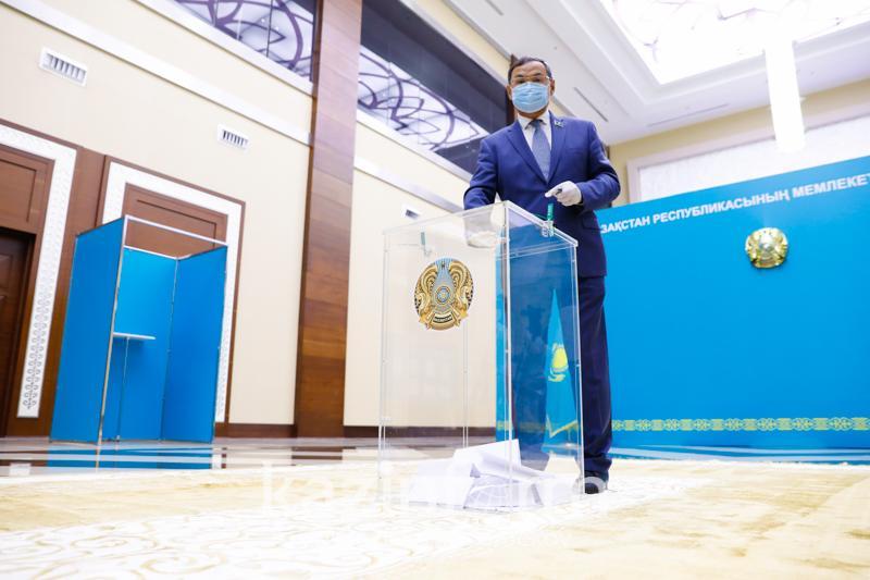 Выборы в Сенат: в столице наибольшее число голосов набрал Ахылбек Куришбаев