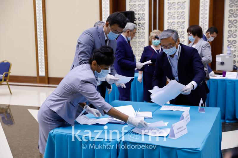 Елордадан Сенат депутатын сайлауда Ақылбек Күрішбаев көп дауыс жинады