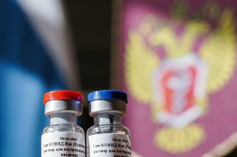 美国首席传染病专家对俄罗斯冠状病毒疫苗的安全性表示怀疑