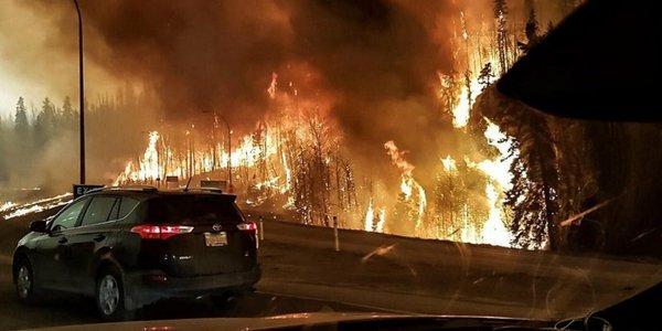 Kanadada órt saldarynan 3,8 myńǵa jýyq adam evakýatsııalandy