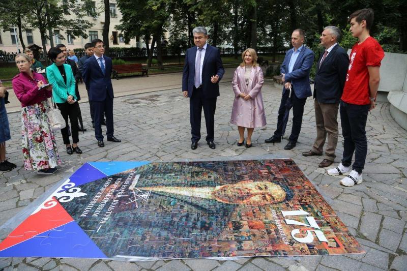Оригинальную инсталляцию представили в Москве у памятника Абаю