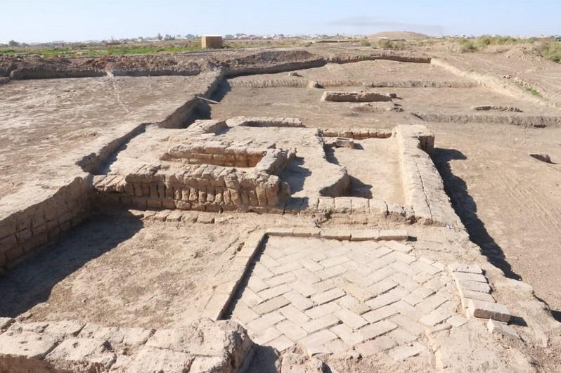 考古学家在突厥斯坦古城发现了学校、驿站、公共浴室和瓷器工坊的遗迹