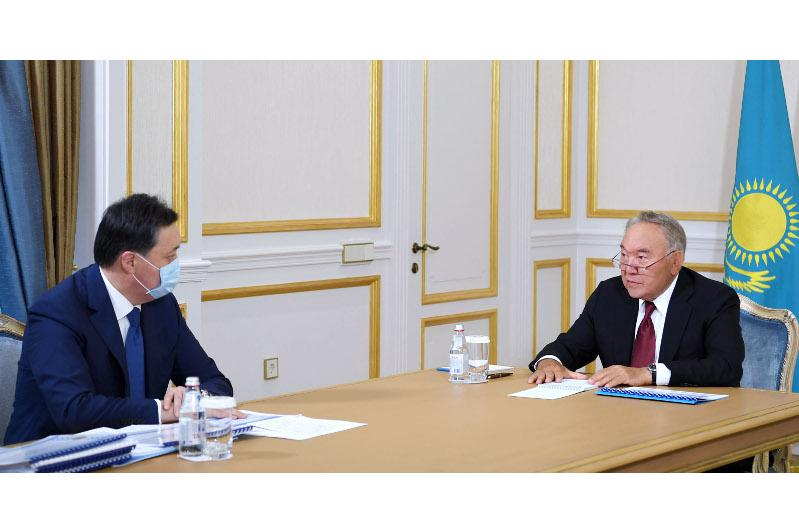 Nursultan Nazarbayev receives Askar Mamin