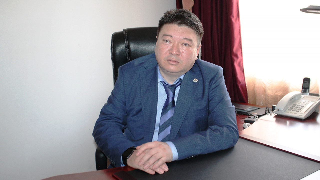Басы дауға қалған Алматы облысының бас санитарлық дәрігері халықтан кешірім сұрады