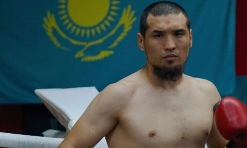 Dáýren Eleýsinov WBC tıtýly úshin aıqas aldynda salmaq ólsheýden ótti