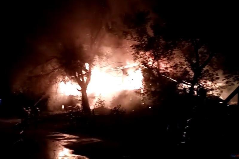 Каскадеры принимали участие в тушении пожара на «Казахфильме»