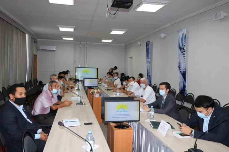 Аким ЗКО встретилсяcпредседателями районных филиалов партии «NurOtan»