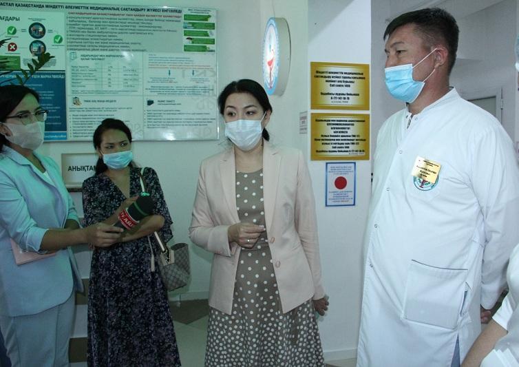 Замглавы Минздрава проинспектировала больницы Туркестанской области
