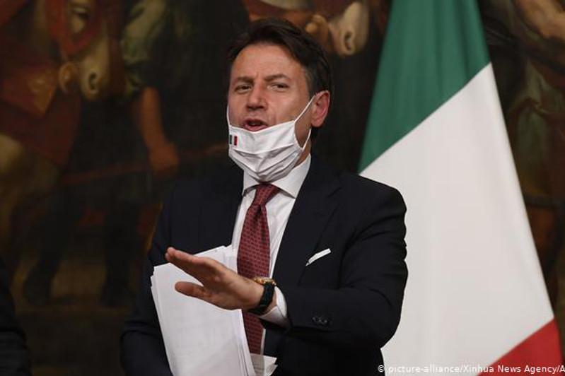 Италия закрывает дискотеки из-за коронавируса
