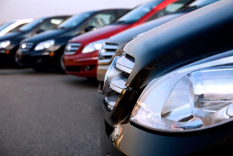 Сколько денег потратили госорганы на покупку служебных авто в Казахстане