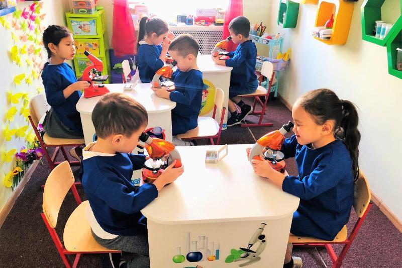Охват обучением детей с особыми потребностями увеличат в столице