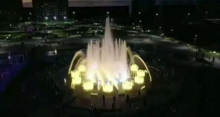 Автомобильные пробки спровоцировал запуск нового фонтана в Семее
