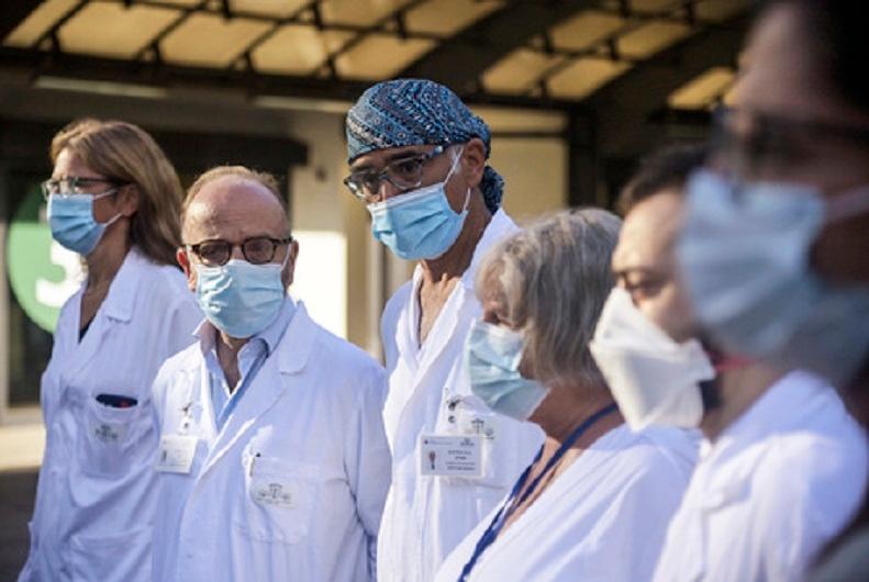 Италия приступила к тестированию вакцины от COVID-19 на людях