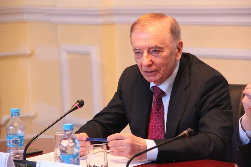 Положения Основного Закона составляют систему основополагающих начал развития общества и государства – Игорь Рогов