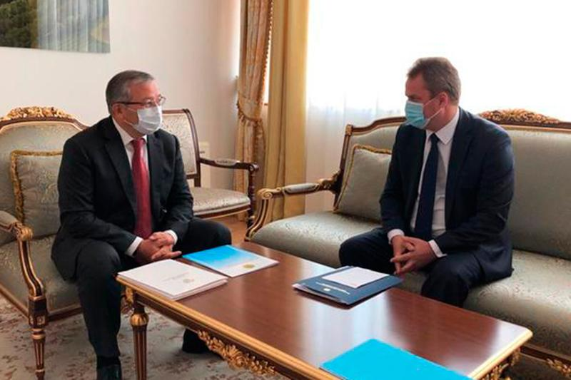 Belarus' ambassador presents copies of credentials to Kazakhstan's Deputy FM