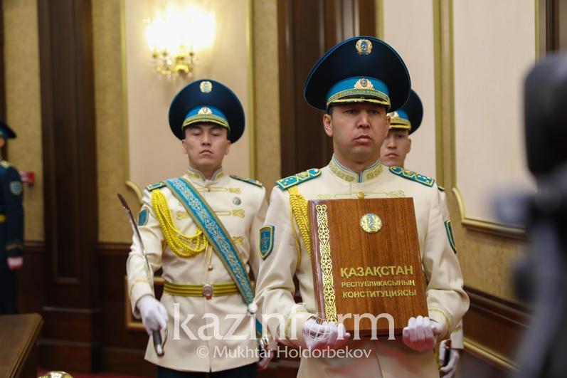 Как принималась Конституция независимого Казахстана