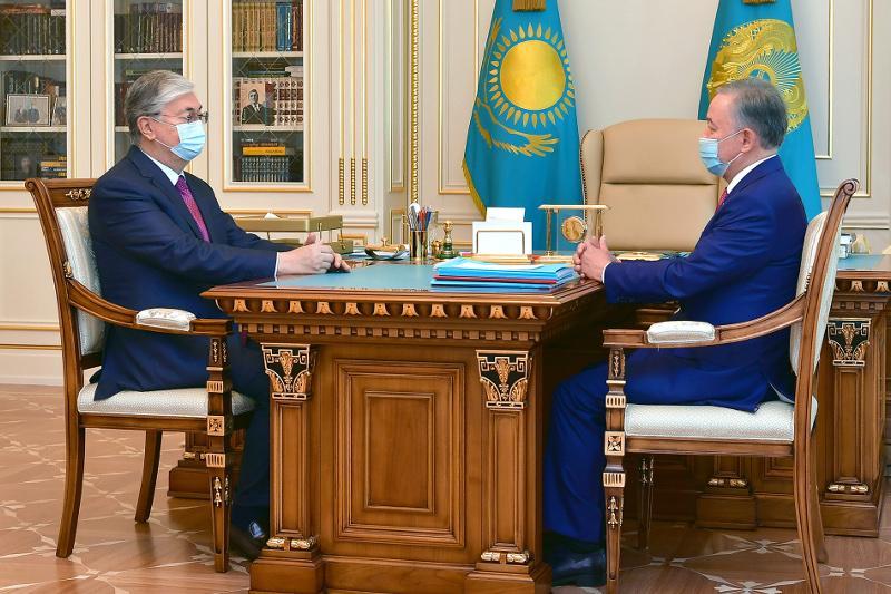托卡耶夫总统接见马吉利斯议长尼格马图林