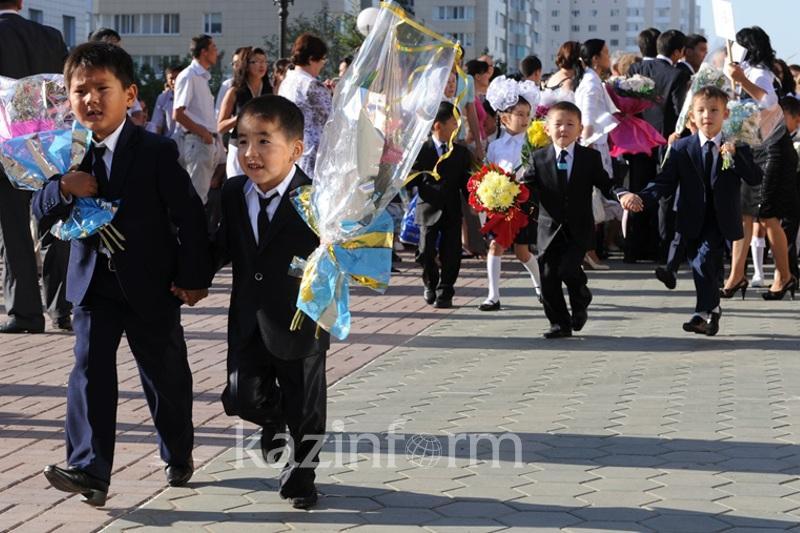托卡耶夫总统向全国学生们致以教育日祝贺