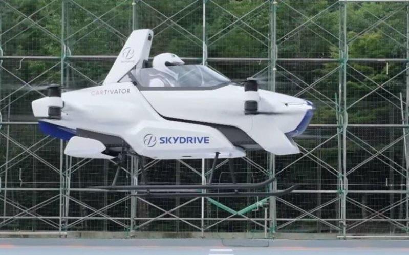 日本载人飞行汽车成功试飞