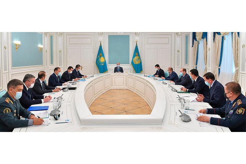 托卡耶夫总统主持召开执法机构联席会议