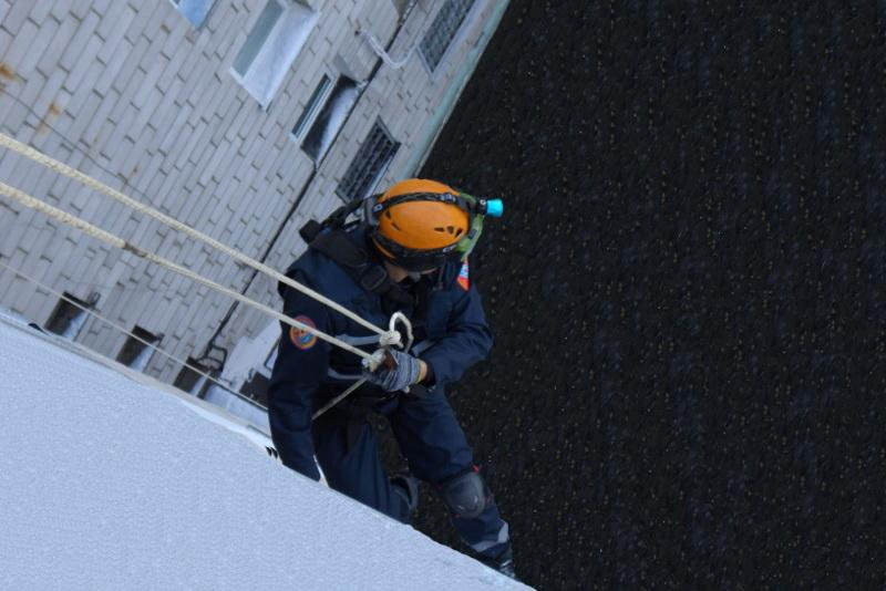 4-year-old falls from fourth floor window in Pavlodar rgn