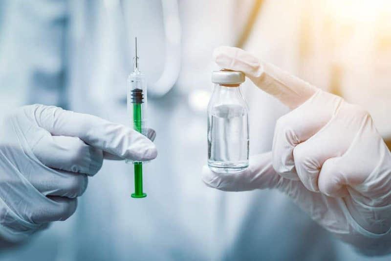 Как можно стать добровольцем на испытание вакцины от КВИ