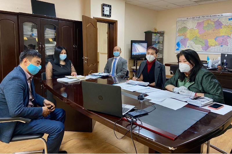 哈萨克斯坦专家和美国专家就兽医教育问题进行了讨论
