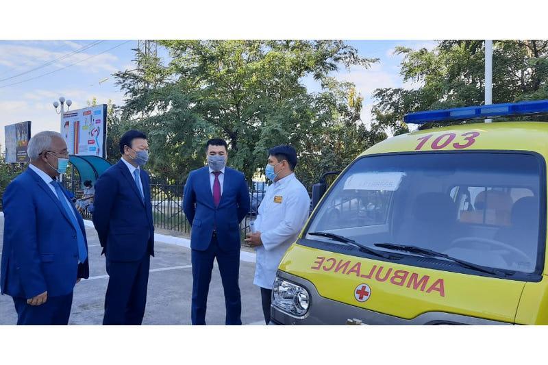 卫生部长视察突厥斯坦州医疗机构