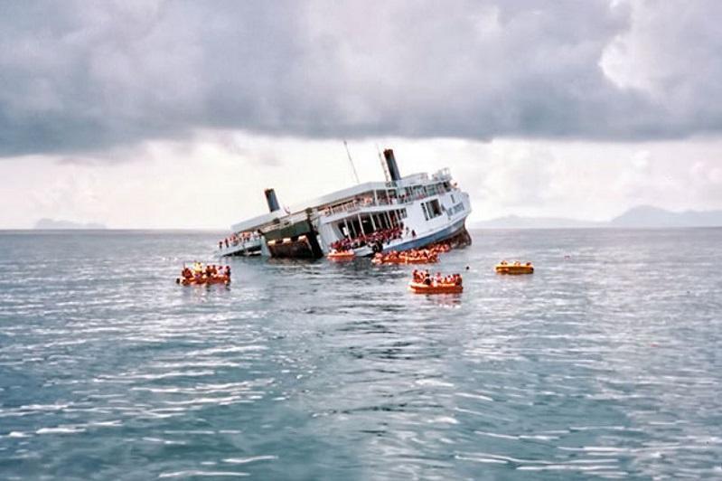孟加拉国一渔船沉没 致10人死亡多人失踪