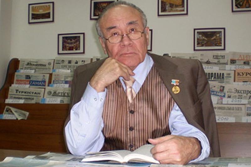 Советхан Ғаббасов: Қазір ұлттық идеологияға баса мән беру керек