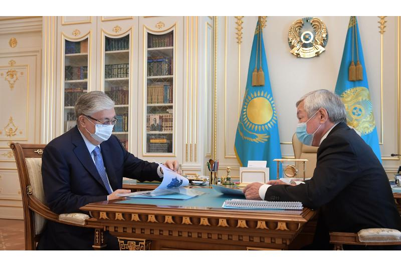 托卡耶夫总统接见江布尔州长