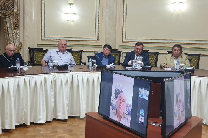 Книгу грузинской поэтессы Маквалы Гонашвили на казахском языке презентовали в Алматы