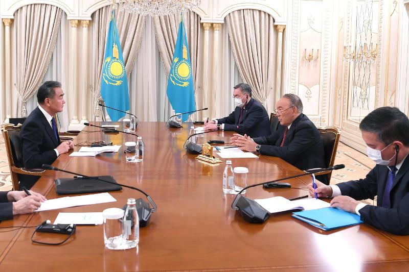 Nursultan Nazarbayev meets with Chinese FM