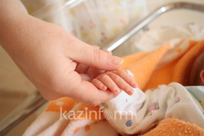 Младенца нашли на улице в Жанаозене