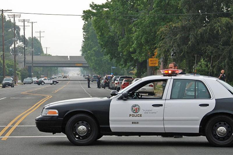 Калифорниядағы атыс: шерифтің екі орынбасары жарақат алды