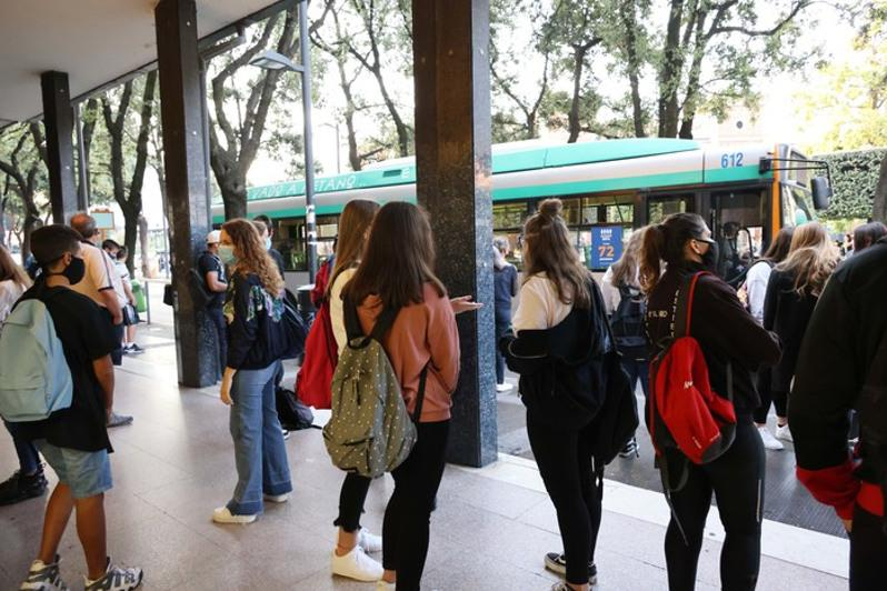 ANSA: Italian pupils go back to school