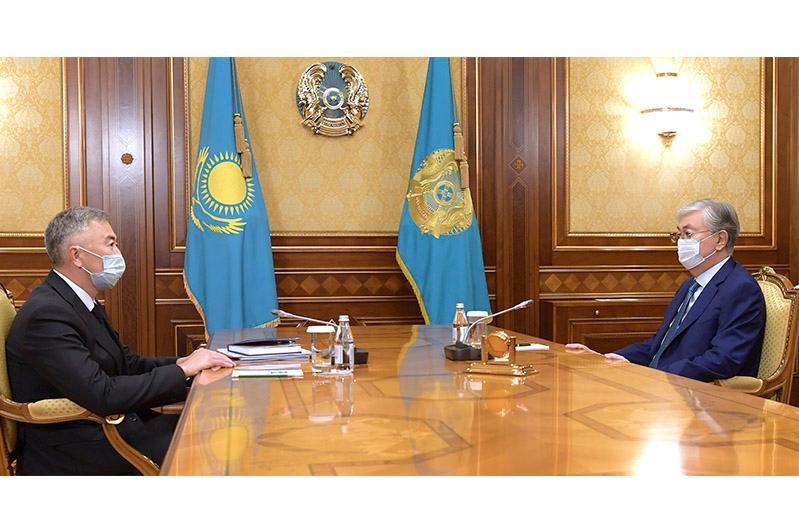 托卡耶夫总统接见竞争保护和发展署署长