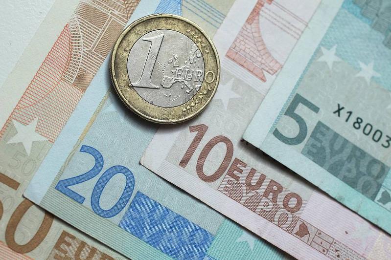 Фальшивомонетчики пытались обменять 2500 евро в Павлодаре