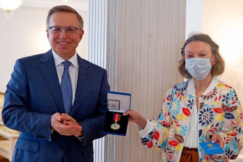 Испанский переводчик «Слов назидания» Абая награждена орденом «Достық»