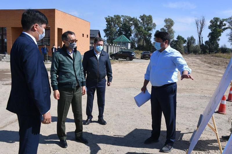 Алматының шеткі шағынаудандарында инженерлік инфрақұрылымдардың құрылысы жалғасуда