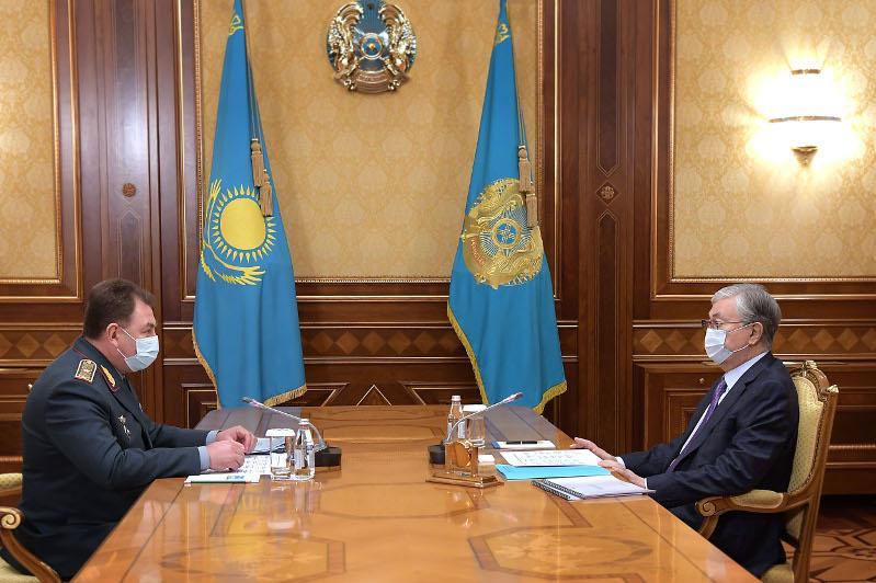 托卡耶夫总统接见紧急情况部部长