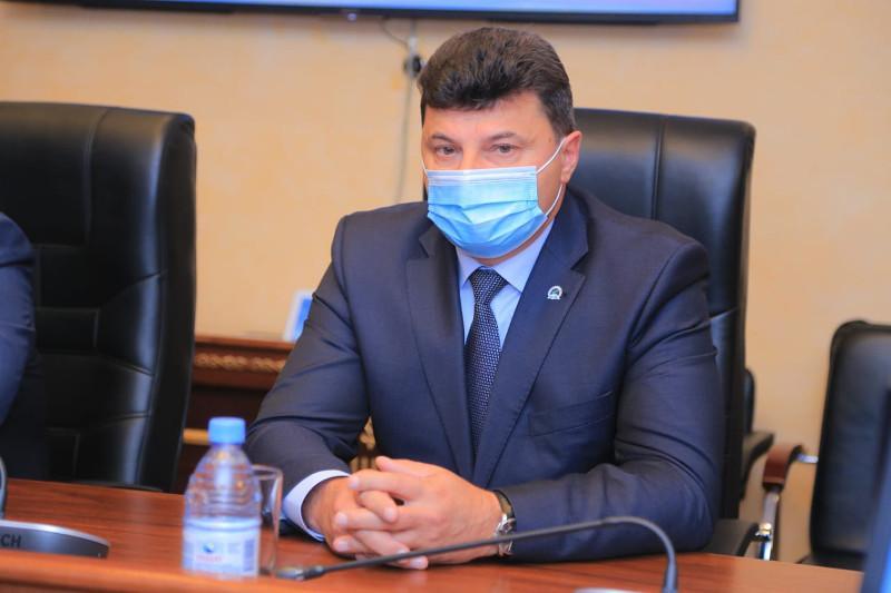 库斯塔奈州新任副州长获得任命
