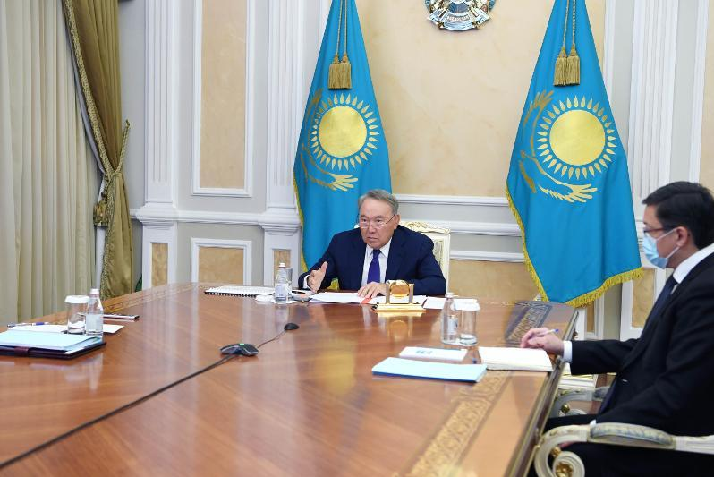 纳扎尔巴耶夫主持召开安全会议例行会议